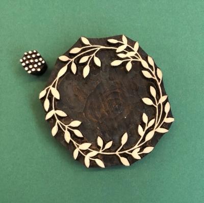Indian Wooden Printing Blocks- Wreath & Berries