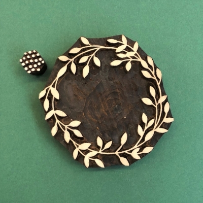 Indian Wooden Printing Blocks- Wreath & Berries